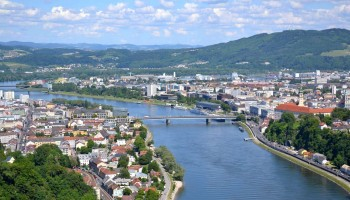 AHN_Linz-Donau-Panorama-Fruehling_1500x990-1500x990